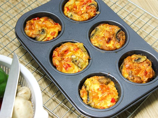 Spinach, Mushroom, and Pepper Egg Muffins