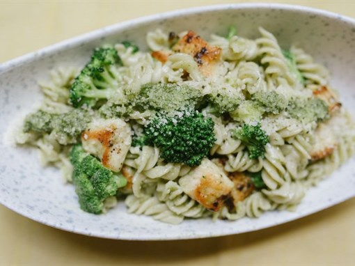 Pesto Chicken and Broccoli Pasta